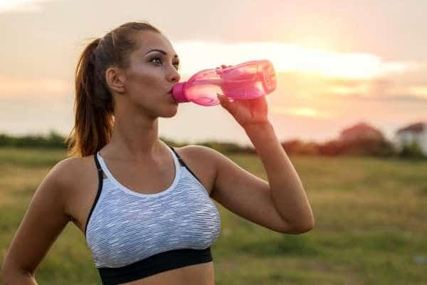 Veden juonti laihdutuksessa