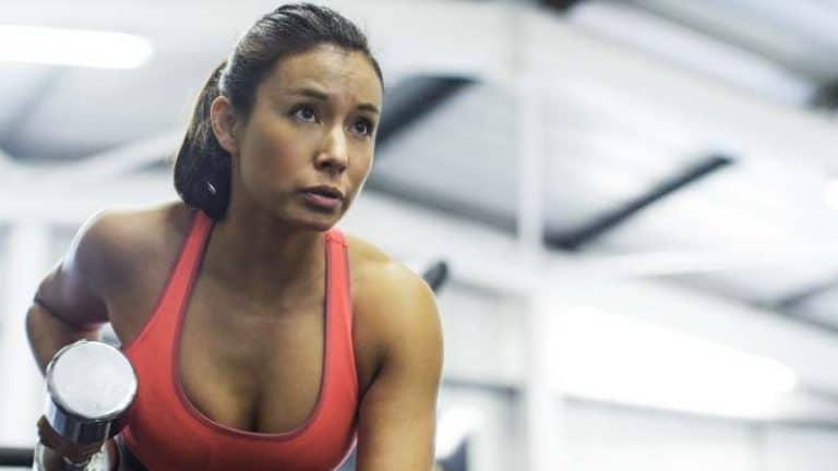 Viisi treeniohjelmaa rasvanpolttoon – voimaharjoittelua laihduttajalle