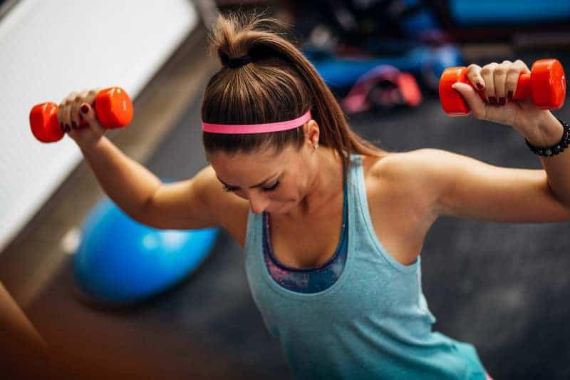 voimaharjoittelu lisää painoja naiset